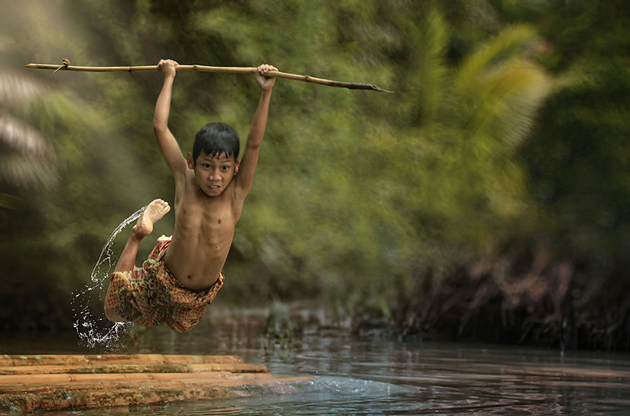 Day by Day life Of Village People in Indonesia by Herman Damar -Greatinspire (6)
