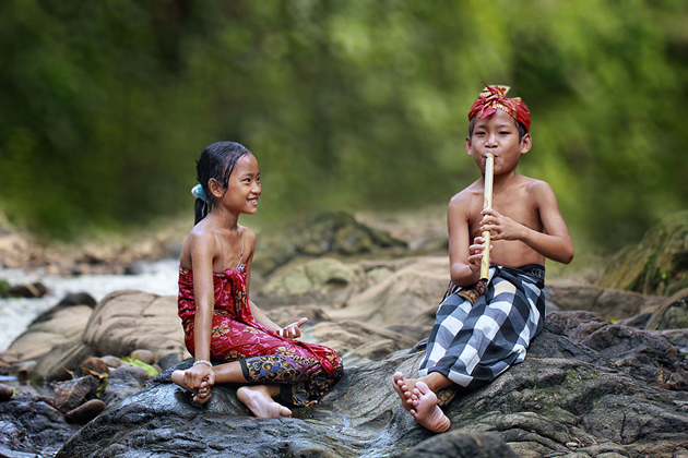 Day by Day life Of Village People in Indonesia by Herman Damar -Greatinspire (7)