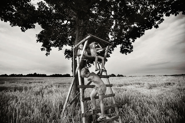 Mother Takes Pictures Of Her Children's Summers In The Polish Countryside (17)