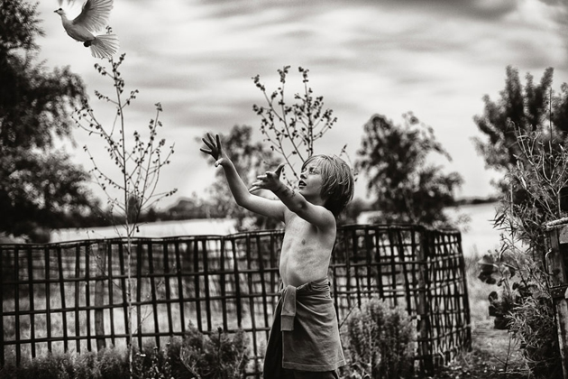 Mother Takes Pictures Of Her Children's Summers In The Polish Countryside (22)