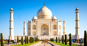 Featured-Taj-Mahal-(7-wonders-of-world)