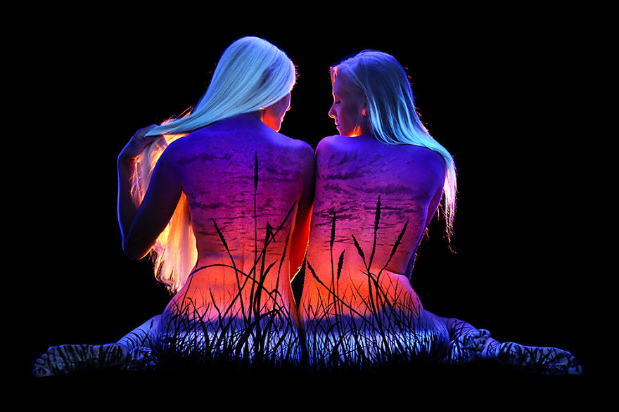 Under Black light Body Painting by John Poppleton (15)