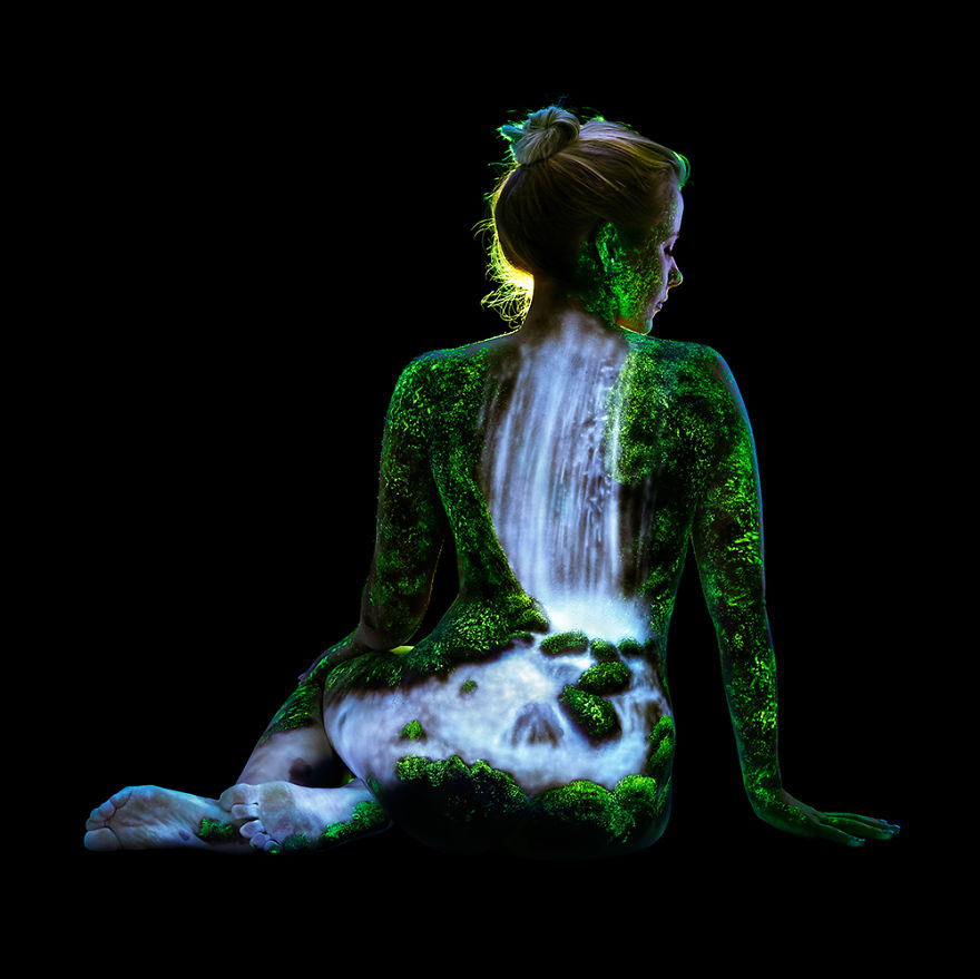 Under Black light Body Painting by John Poppleton (18)
