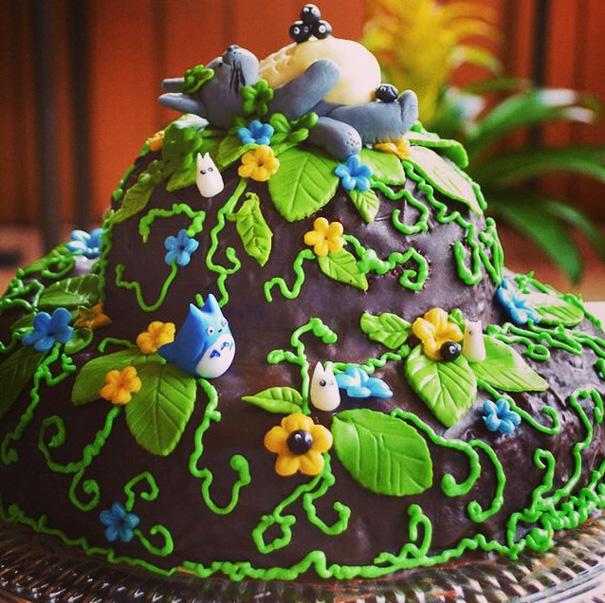 Adorable Totoro Cakes (4)