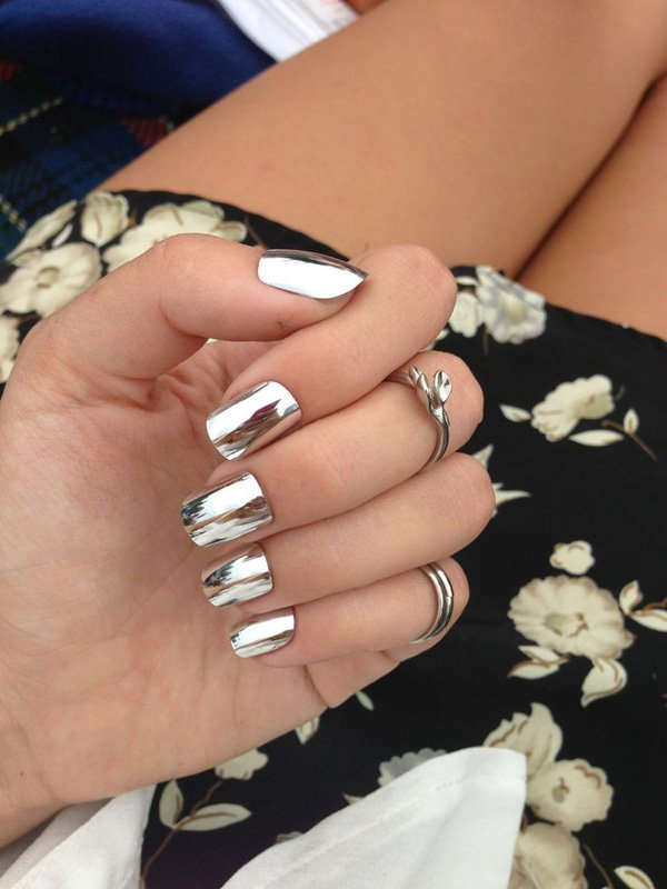 Lovely Metallic Nail Polish Ideas (34)