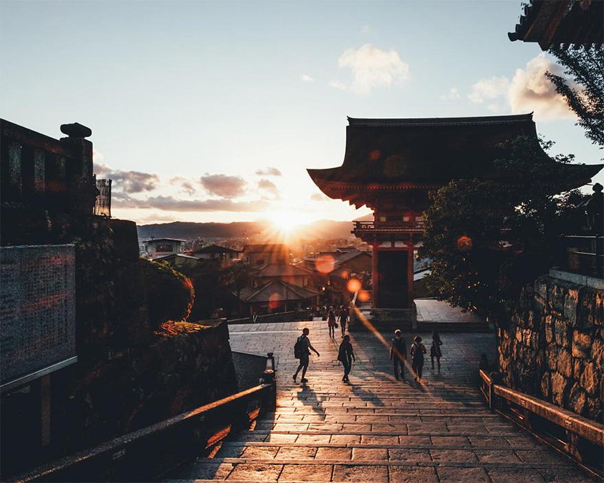 Beautiful Japanese Street Photography by Takashi Yasui (14)