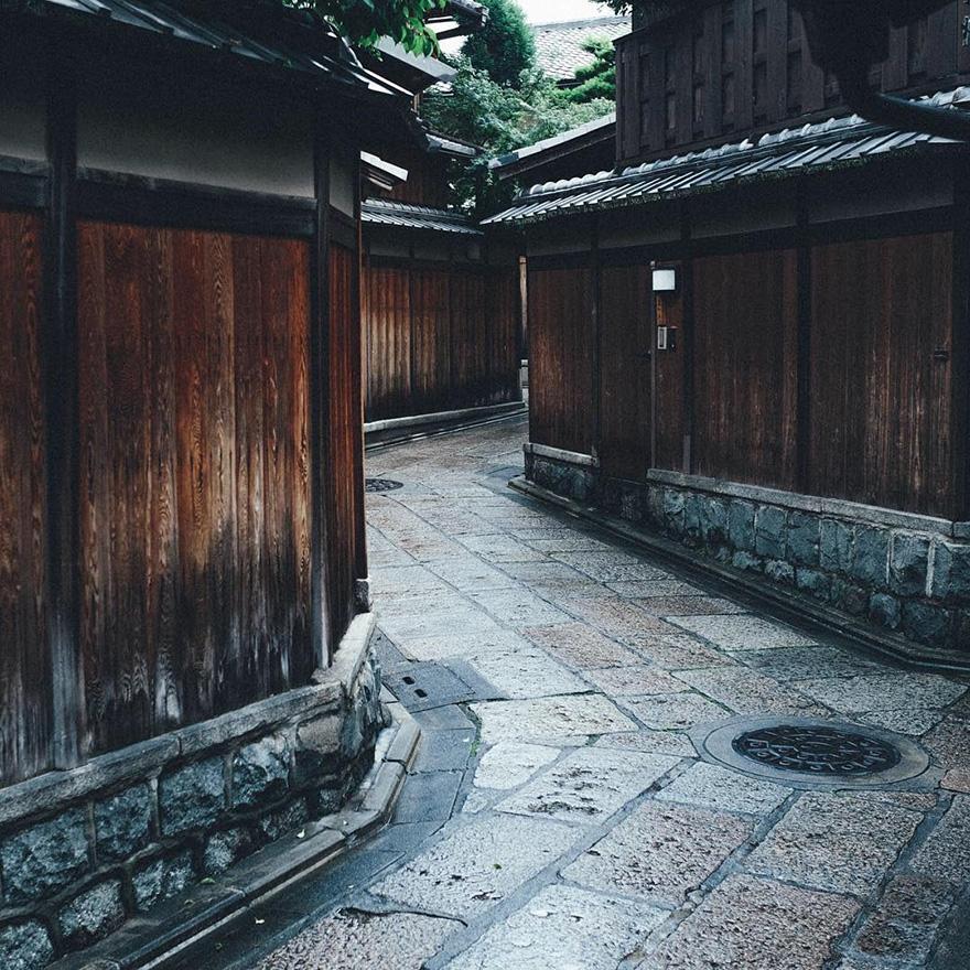 Beautiful Japanese Street Photography by Takashi Yasui (16)