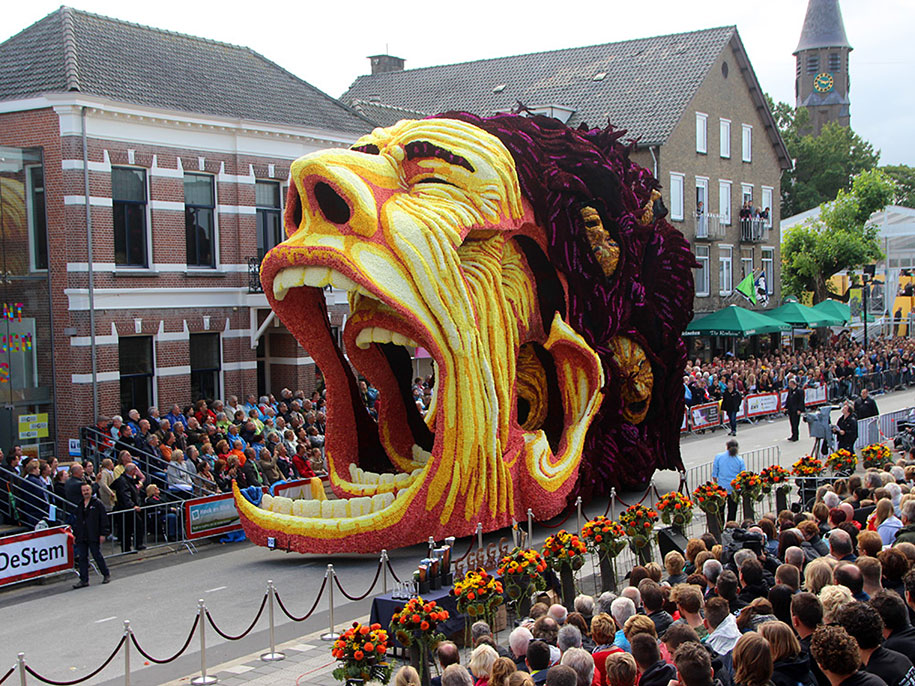 World's Largest Flower Parade In The Netherlands - Flower Sculptures (14)