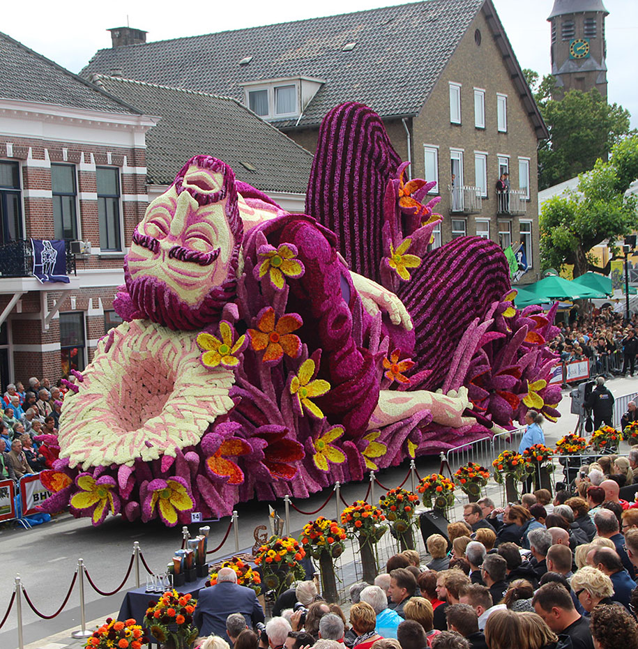 World's Largest Flower Parade In The Netherlands - Flower Sculptures (4)