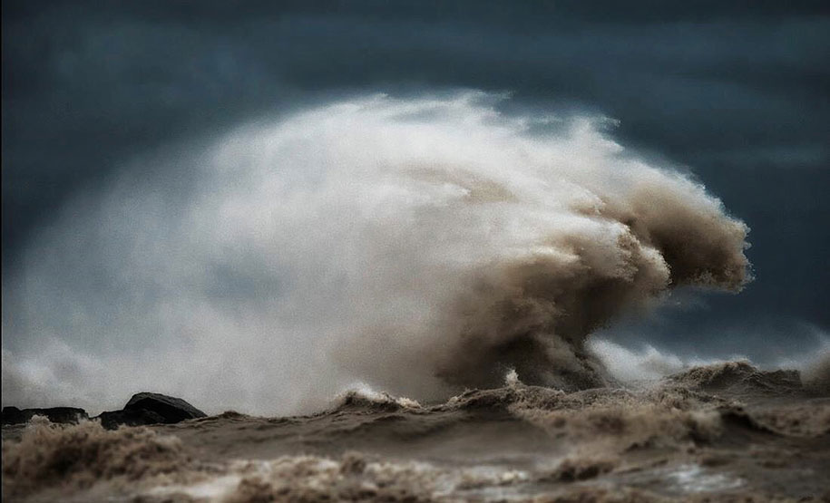 Stunning Wave of Lake Erie Pictures (1)