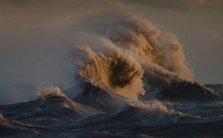Stunning Wave of Lake Erie Pictures (12)