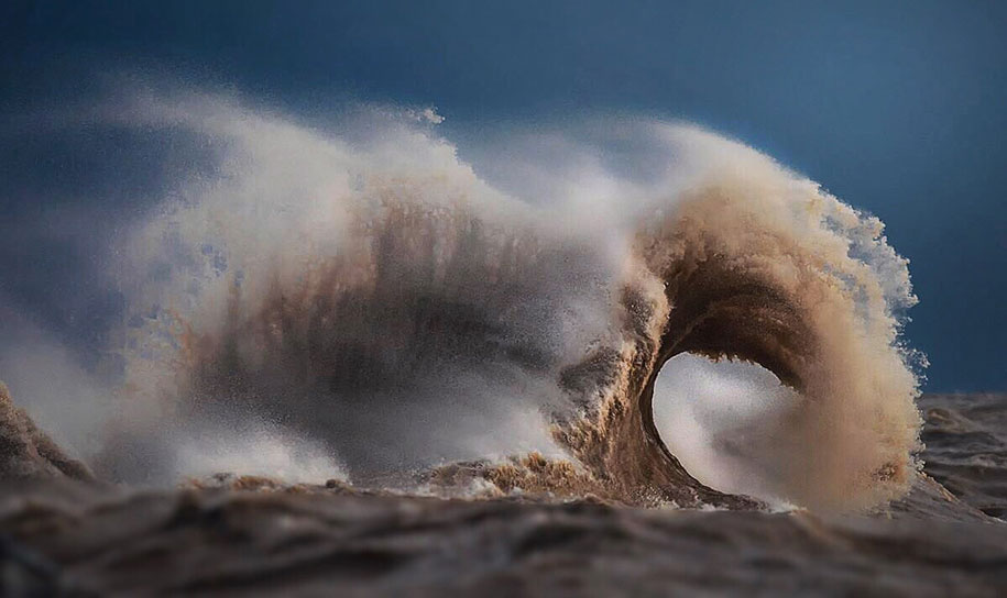 Stunning Wave of Lake Erie Pictures (3)