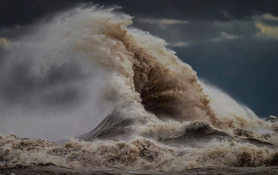 Stunning Wave of Lake Erie Pictures (6)