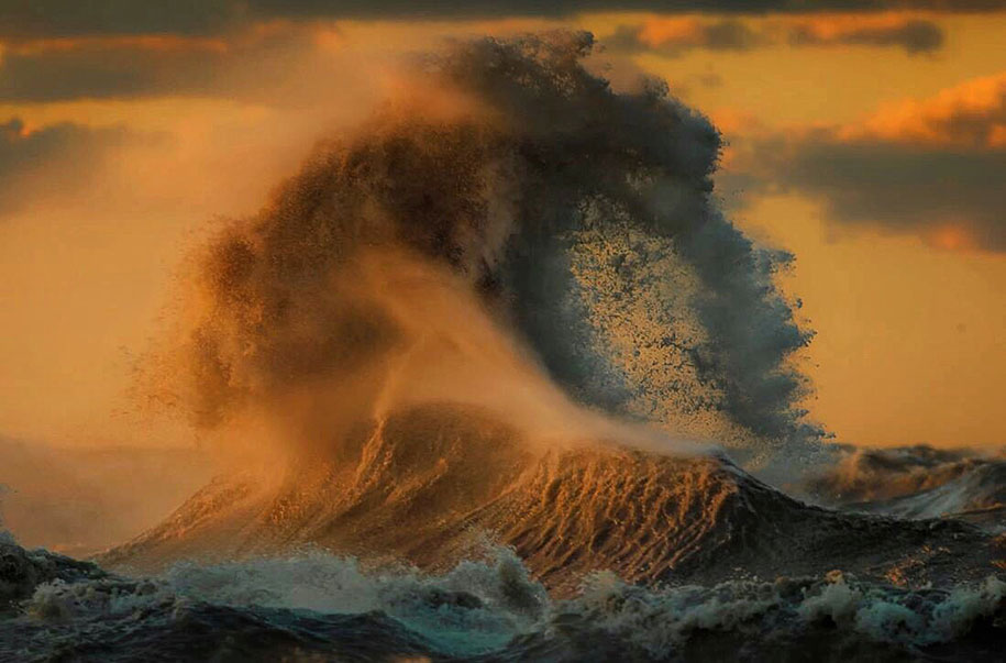Stunning Wave of Lake Erie Pictures (8)