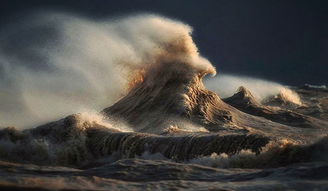 Stunning Wave of Lake Erie Pictures (9)
