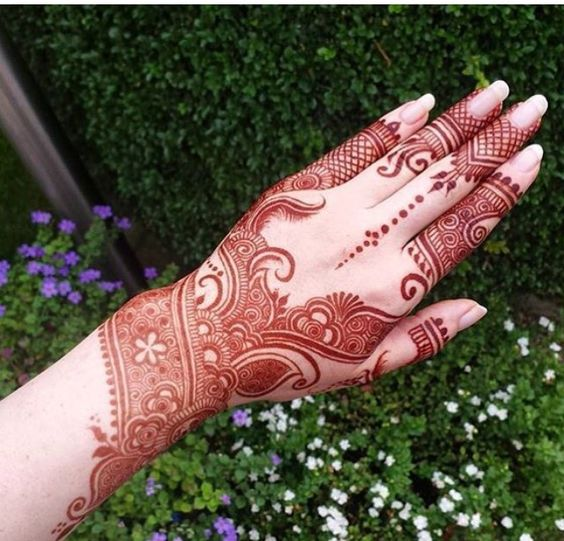 Beautiful Mehndi Designs (16)