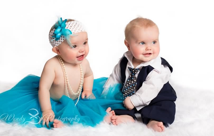 Cute Twin Babies Photos (3)