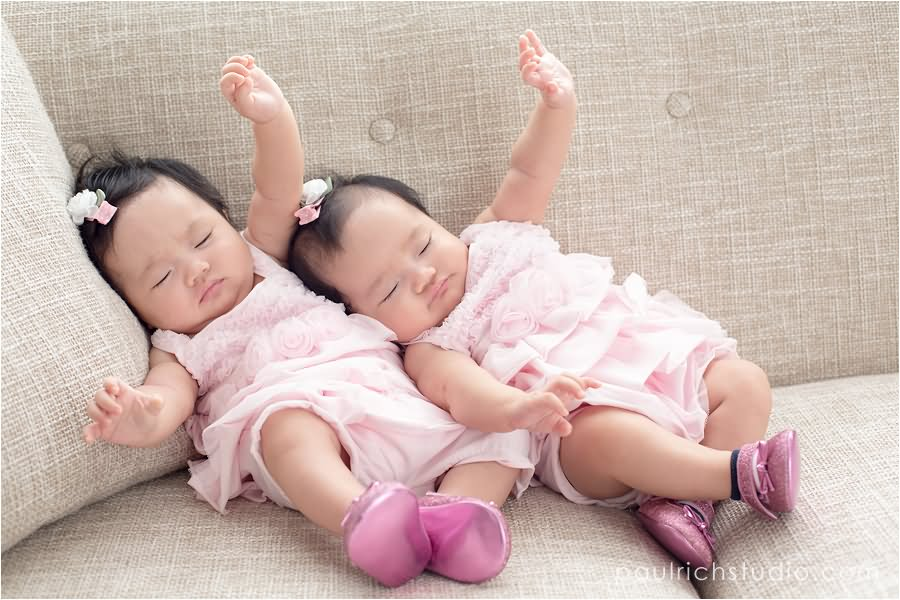 Cute Twin Babies Photos (5)