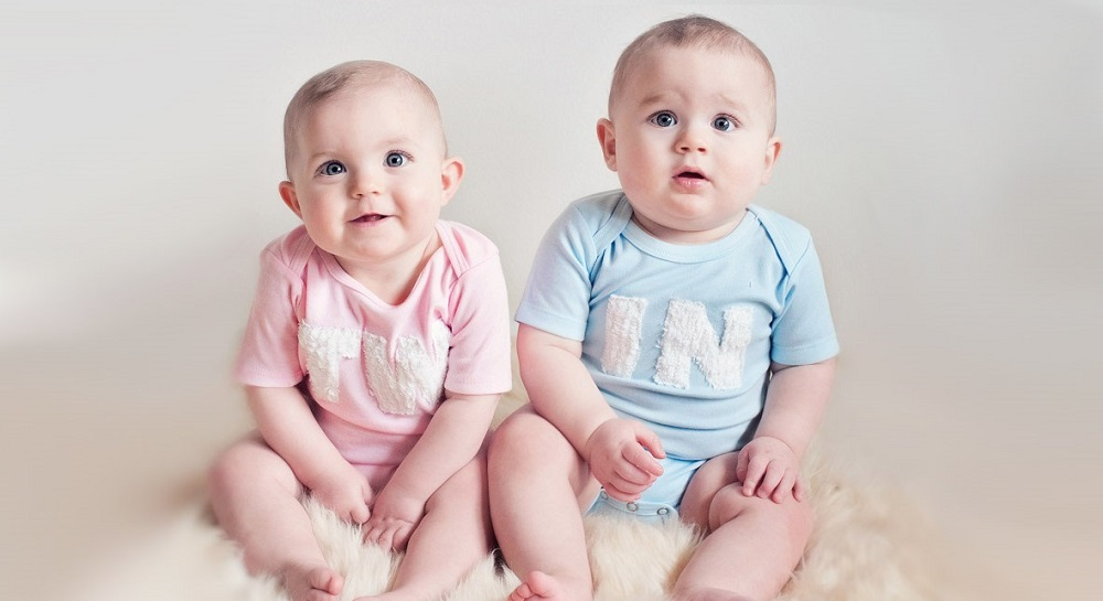 Cute Twin Babies Photos (7)