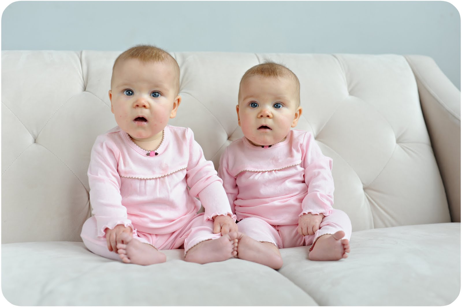 Cute Twin Babies Photos (9)
