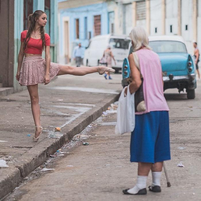 Dance Practicing In Cuba Streets of Ballet Dancers (2)