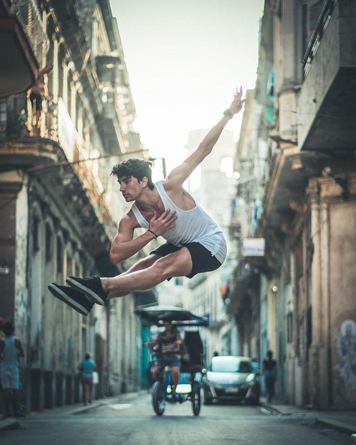 Dance Practicing In Cuba Streets of Ballet Dancers (20)