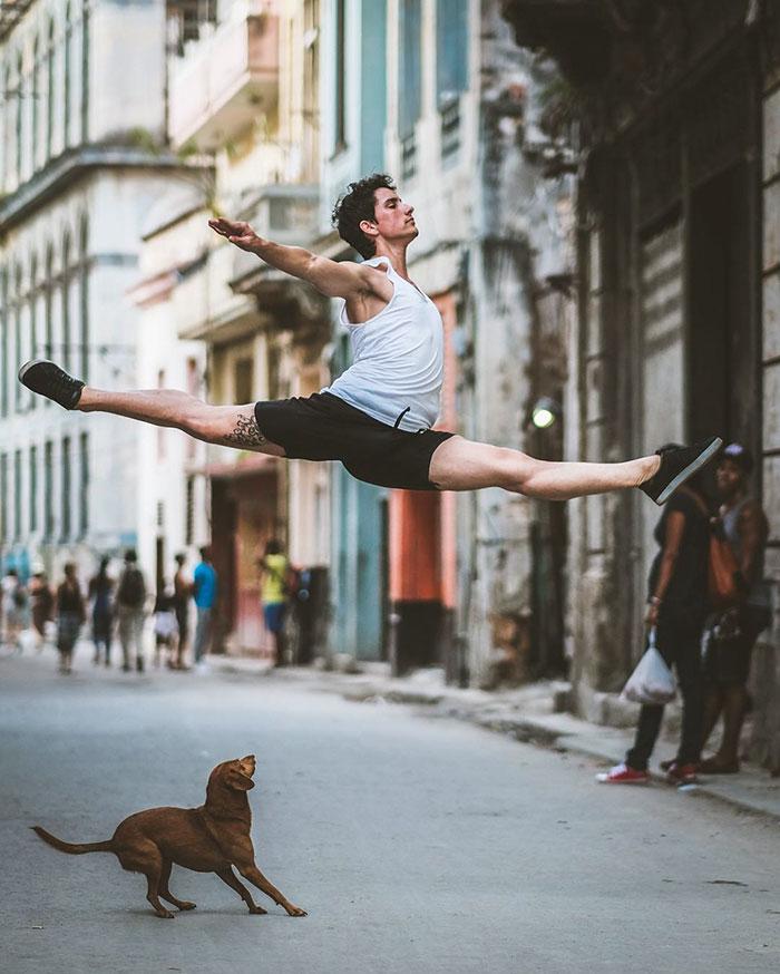 Dance Practicing In Cuba Streets of Ballet Dancers (8)