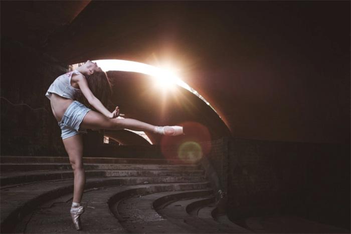 Dance Practicing In Cuba Streets of Ballet Dancers (9)