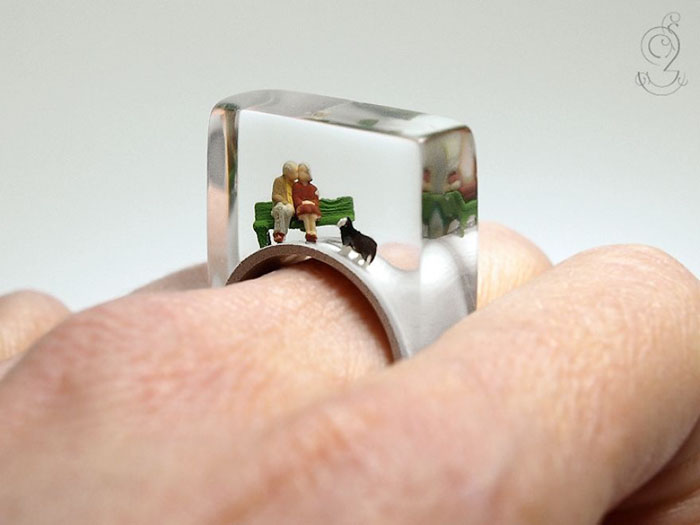 Miniature Scenes within jewelry created by Isabell Kiefhaber (12)