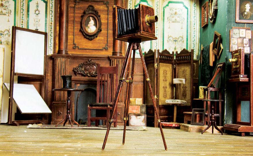 Alamedy Diorama Built A Miniature 1900s Photography Studio (10)