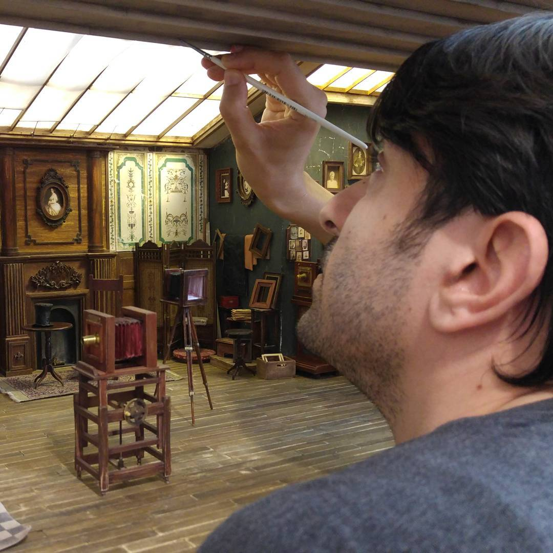 Alamedy Diorama Built A Miniature 1900s Photography Studio (13)
