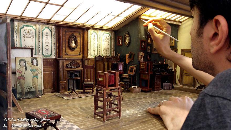 Alamedy Diorama Built A Miniature 1900s Photography Studio (4)