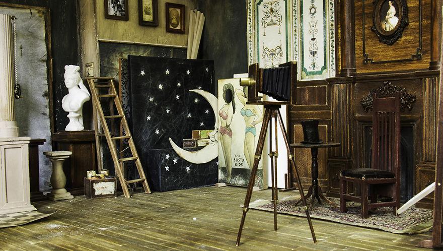 Alamedy Diorama Built A Miniature 1900s Photography Studio (5)
