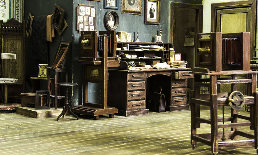 Alamedy Diorama Built A Miniature 1900s Photography Studio (8)
