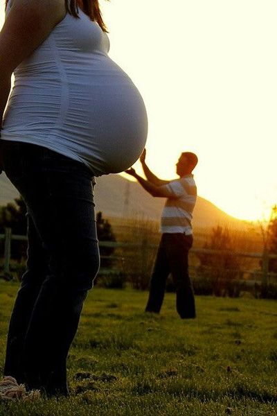 Beautiful Outdoor Maternity Photos (12)