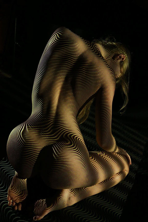 Photographer Clothes Nude Models In Lights And Shadows Creating A Surreal Effects (4)