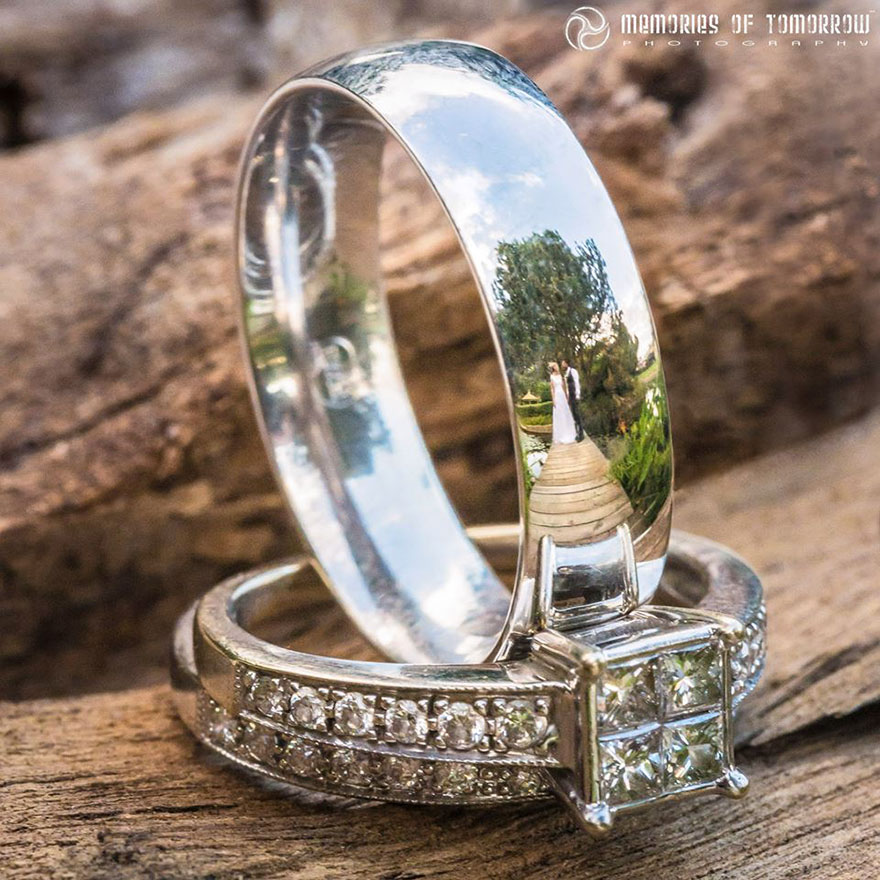 Stunning Wedding Photos Reflected On Rings (10)