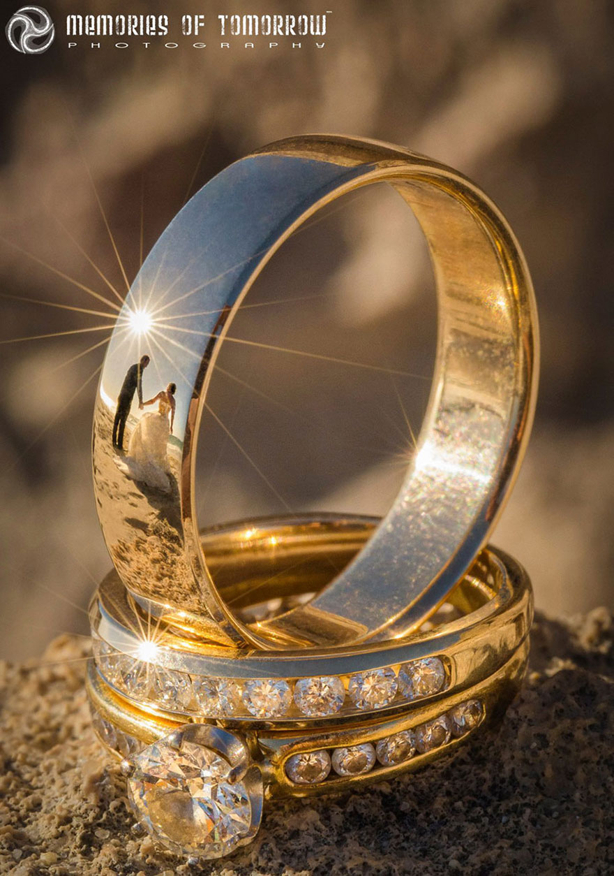 Stunning Wedding Photos Reflected On Rings (2)
