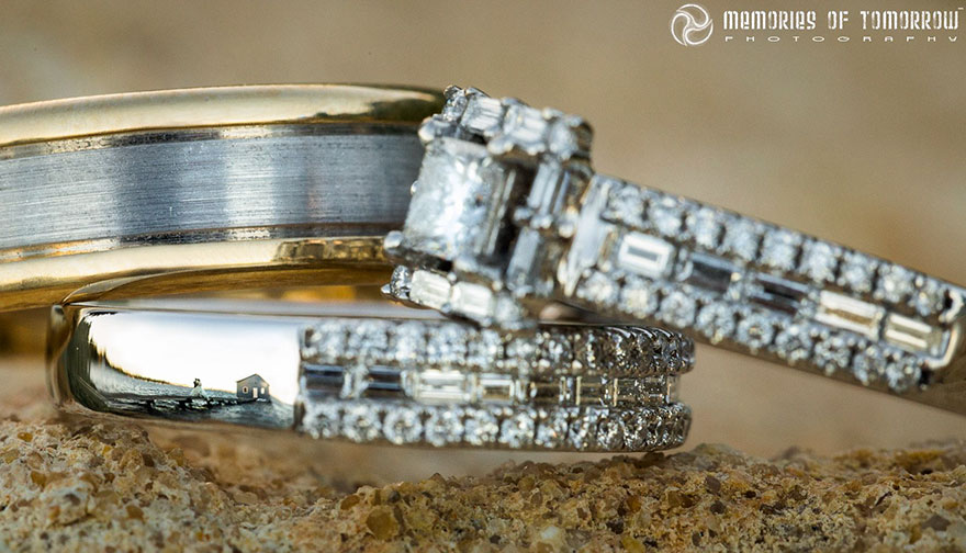 Stunning Wedding Photos Reflected On Rings (3)
