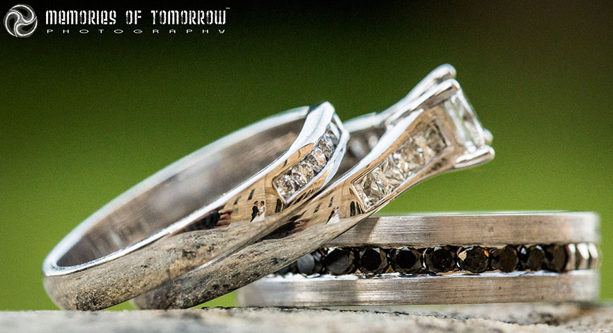 Stunning Wedding Photos Reflected On Rings (6)