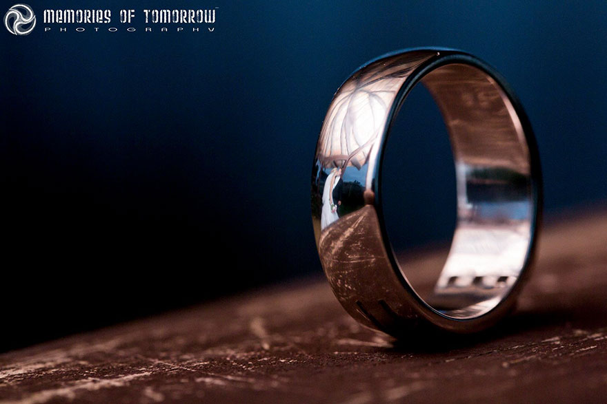 Stunning Wedding Photos Reflected On Rings (8)