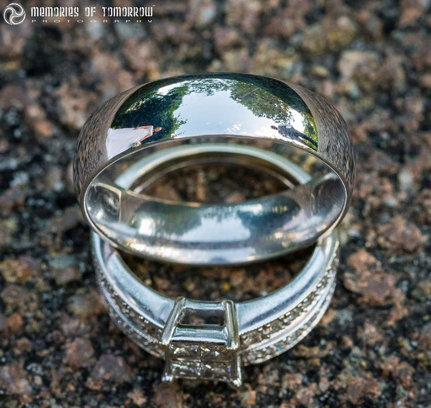 Stunning Wedding Photos Reflected On Rings (9)