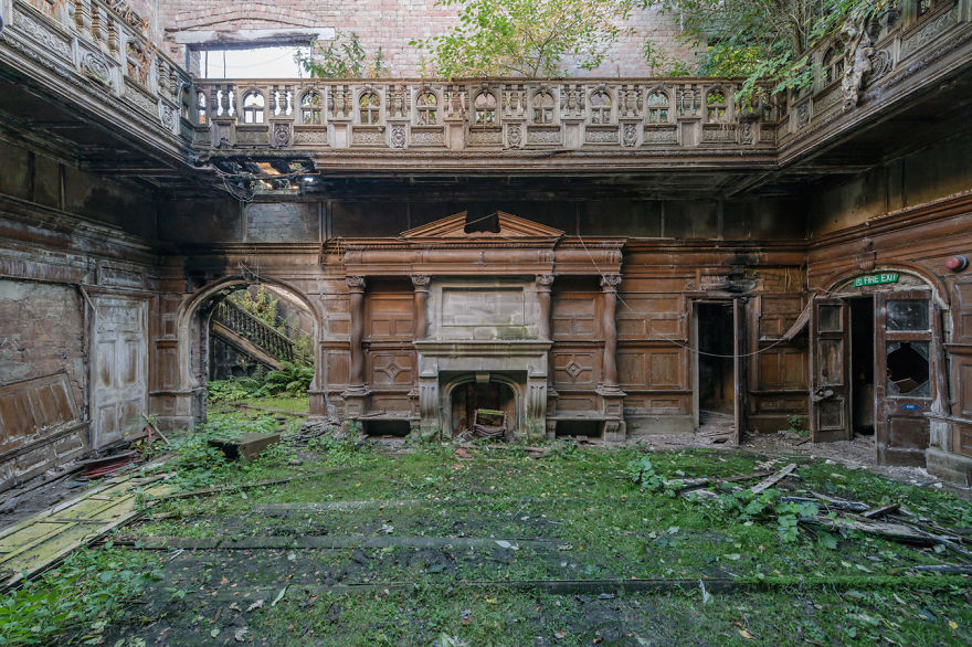 Abandoned Buildings Photography By Romain Veillon (12)