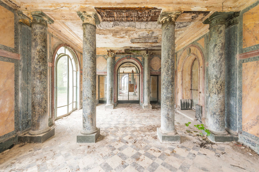 Abandoned Buildings Photography By Romain Veillon (14)