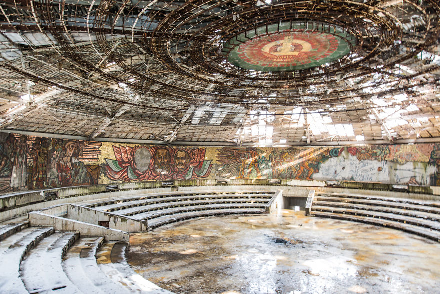 Abandoned Buildings Photography By Romain Veillon (2)