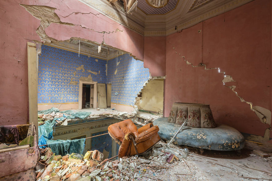Abandoned Buildings Photography By Romain Veillon (7)