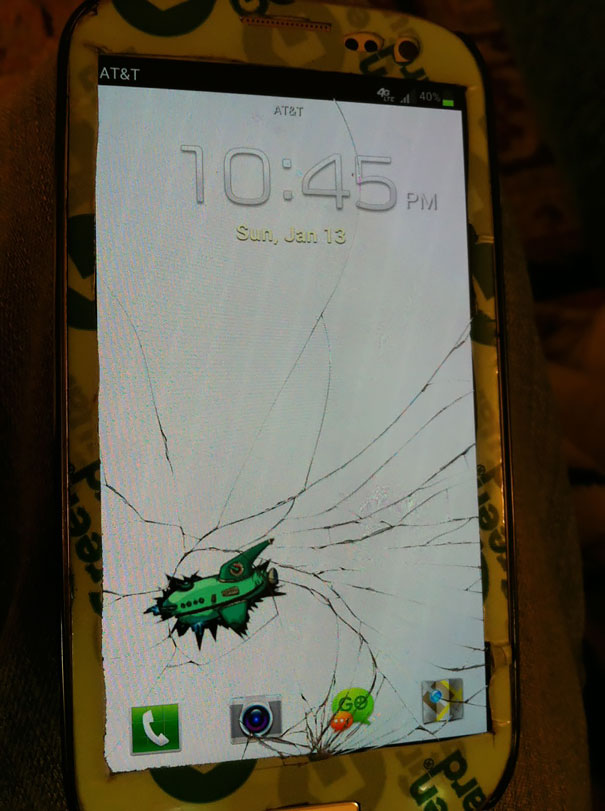 Cracked Phone Screen Funny Solution Wallpapers (26)