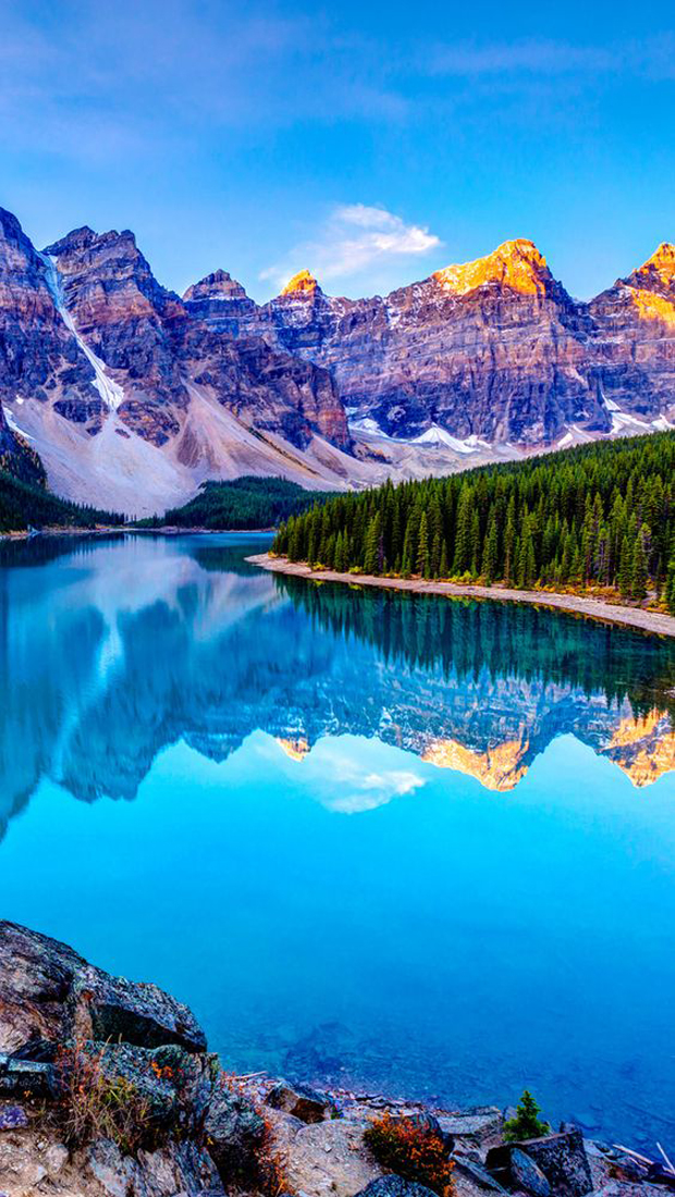 Moraine Lake - Banff National Park, Lake Louise, Alberta, Canada