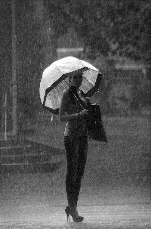 Pretty Girls Images In Rain (17)