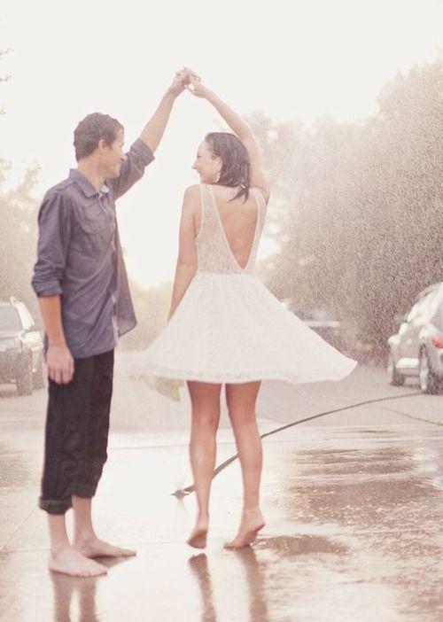 Pretty Girls Images In Rain (24)